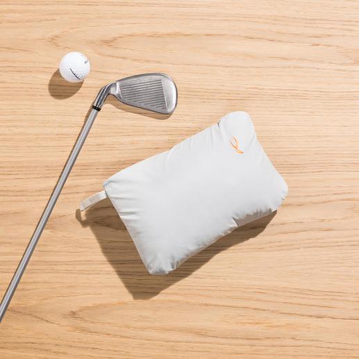 Jacke handlich klein im integrierten Beutel verstaubar (21x 15x 6cm).