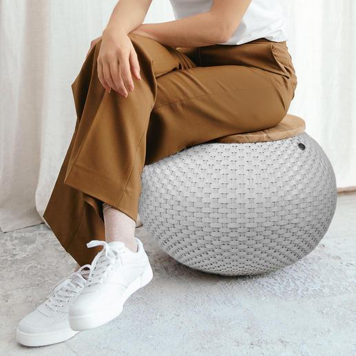 In 40 cm Höhe ideal auch als Sitzgelegenheit für Zwischendurch (Tragkraft: 80 kg).