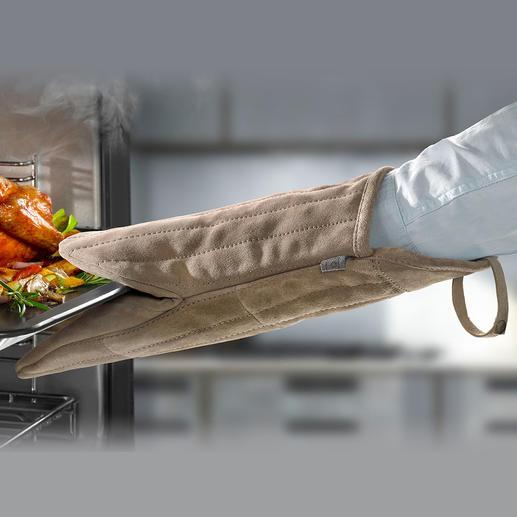 Ofen-/Grillhandschuh aus Veloursleder Viel griffiger, sicherer (und schöner): der 38 cm-Ofenhandschuh aus weichem Veloursleder.