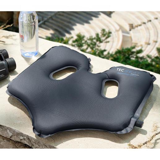 SoftAirSeat Patentiertes, selbstaufblasendes Design ermöglicht optimalen Sitzkomfort. Überall.
