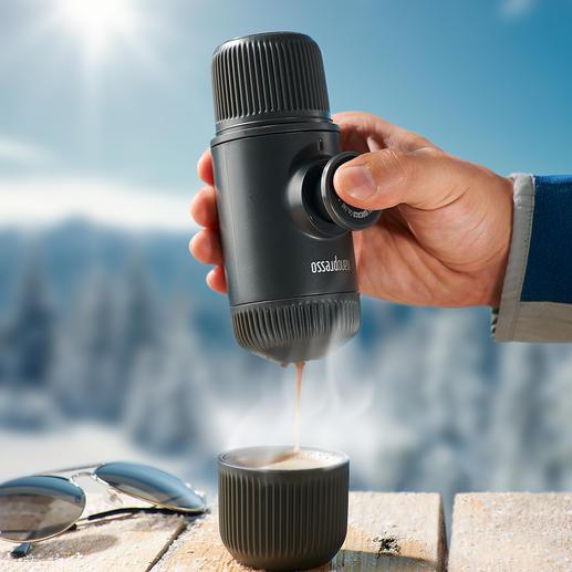 Nanopresso Noch kleiner, leichter, stärker. Brüht vollaromatischen Espresso. Mit maximal 18 bar Pumpendruck. Ohne Strom.