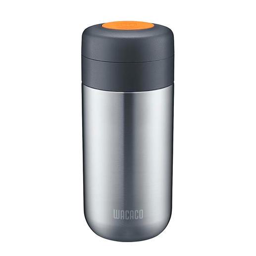 Die separat erhältliche Nanovessel-Vakuum-Isolierflasche lässt sich auf Wunsch auch direkt auf die Hand-Espressomaschine aufschrauben.