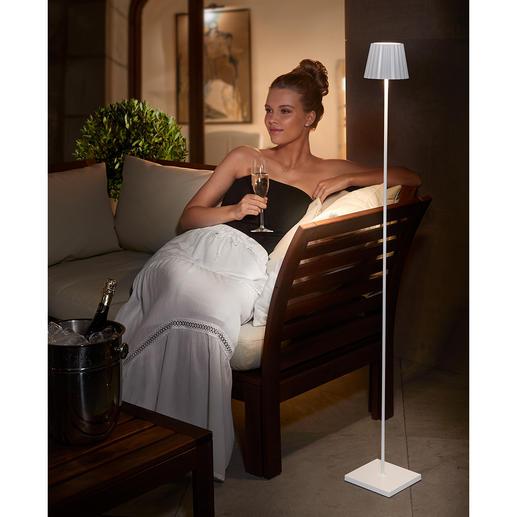 Design Akku-Stehleuchte Schön, schlicht, in zierlichem Design: die Akku-Stehleuchte für drinnen und draußen.