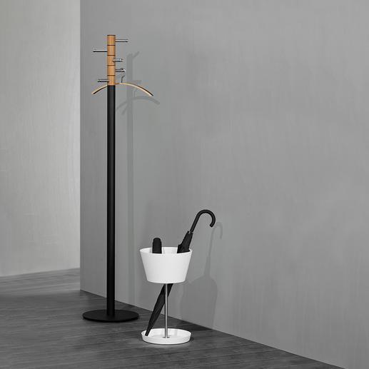 BasketSchirmständer Hält Schirme aller Art bequem griffbereit. Mit separatem Fach für Taschenschirme.