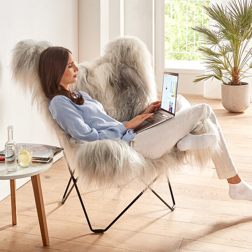 Der Sessel-Rücken hat eine großzügige Breite und Höhe – bequemer Sitzkomfort auch für große Personen.