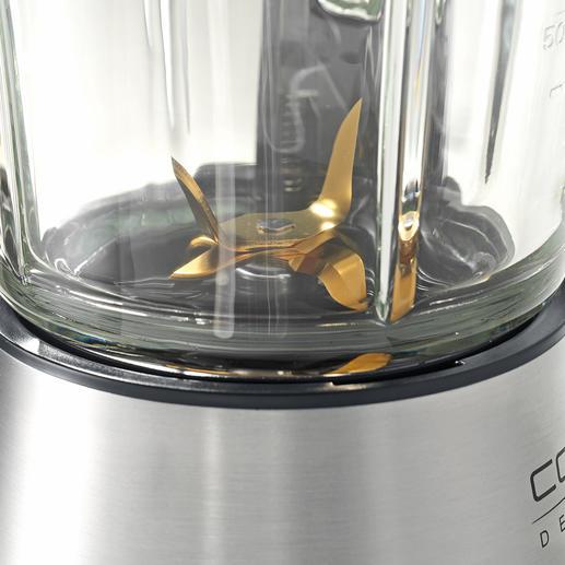 Das 6-flügelige Messerwerk zerkleinert das Mixgut kraftvoll und treibt es an den Wänden des Mixbehälters empor.
