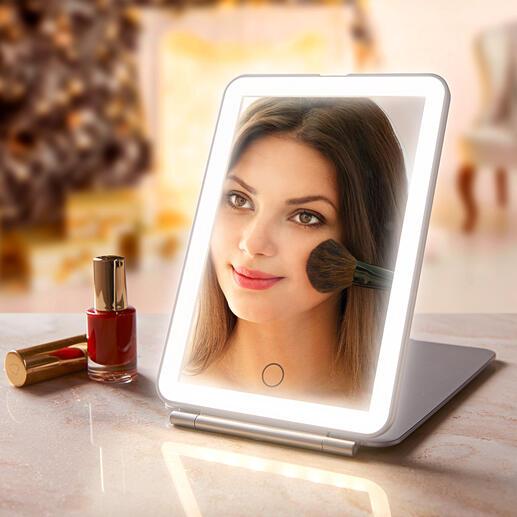 Klapp-Kosmetikspiegel Extra große Spiegelfläche. Optimale Ausleuchtung. Elegantes, flaches Design.