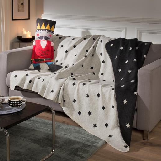 PuppemitKuscheldecke Weihnachtliche Wohndekoration. Kuscheliges Kissen. Und mit einem Griff eine behagliche Decke.
