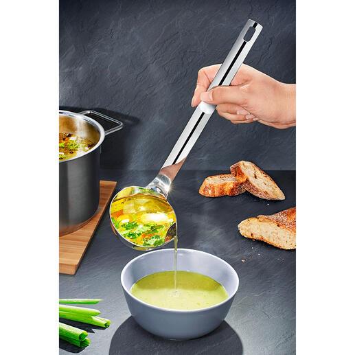 Fett-Trenn-Kelle Suppen und Soßen entfetten – schnell und einfach wie nie. Einfach schöpfen, abgießen – fertig.