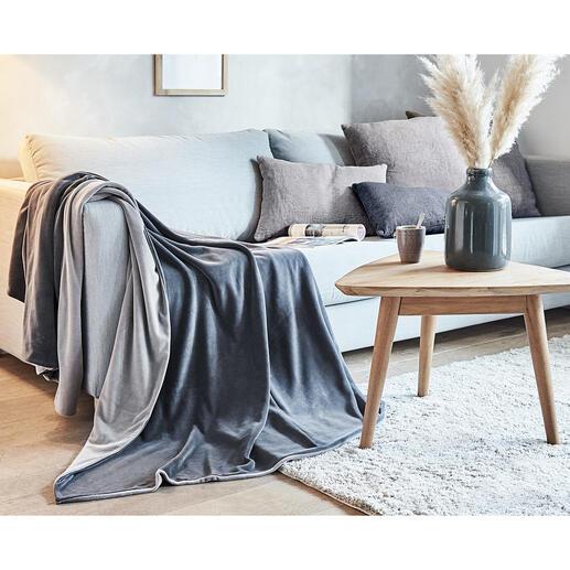 Nickidecke Kuschelig wie Samt, dehnfähig wie Jersey: die Nicki-Wendedecke in zwei edlen Grau-Tönen. Sorgfältig doppellagig gearbeitet. Herrlich komfortabel für Ihre Mußestunden.