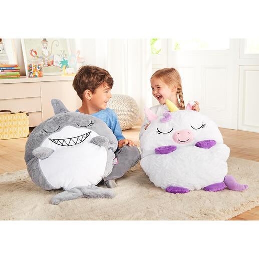 Spiel- und Kuschelschlafsack Einhorn oder Hai Spielen, Kuscheln, Schlafen: In Sekunden vom Schmusetier zum behaglichen Schlafsack. Cool und kuschelig zugleich.