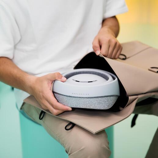 Flach zusammengelegt verstauen Sie den Helm bequem in jeder Aktentasche, jedem Rucksack.