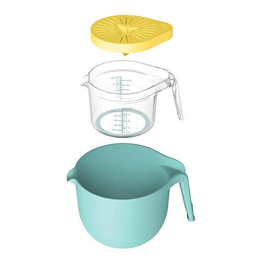 2,5l-Mix- und Rührschüssel, 0,5l Messbecher und aufsteckbare Zitruspresse – platzsparend ineinander verstaut.