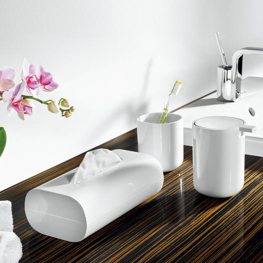 coole_bad_accessoires_von_alessi - Edler Blickfang - die weißen Bad-Accessoires von Alessi. Nichts stört das klare Design.