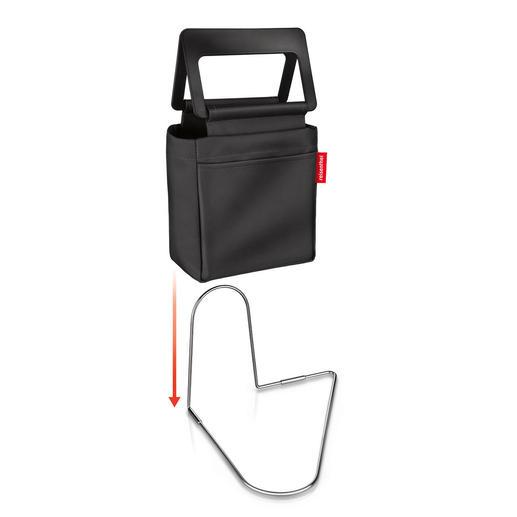Dank genialem Fußbügel bleibt diese praktische Tasche auch bei rasanter Fahrt am Platz.
