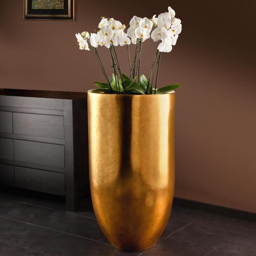 XXL-Pflanzenkübel Beeindruckender Blickfang: mit hauchfein goldschimmerndem Messing überzogen.