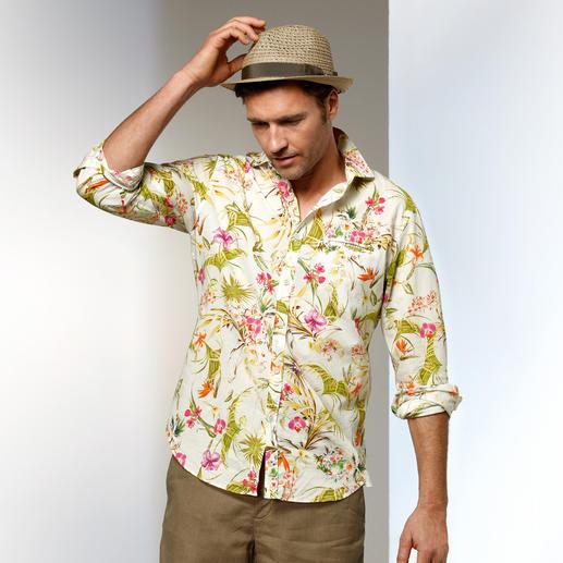 Robert Friedman Hawaii-Hemd - Hawaii-Hemd heute: Dosierter Print. Heller Fond. Harmonische Farben. Von Robert Friedman.