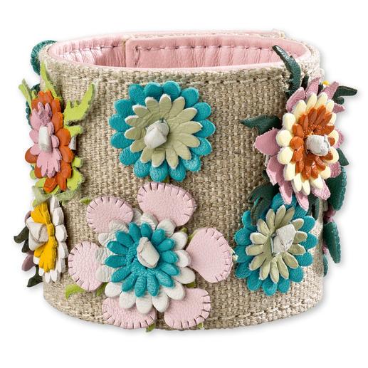 REDValentino Lederblüten-Armband - Krönung des Outfits: Das Blüten-Armband.