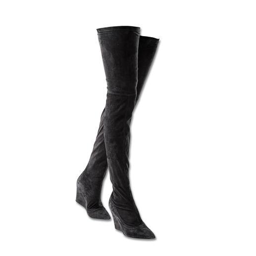 Sly 010 Langschaft-Stiefel Stiefel reichen jetzt bis zum Minirock-Saum. Die von Sly 010 sind anschmiegsam wie Strümpfe.