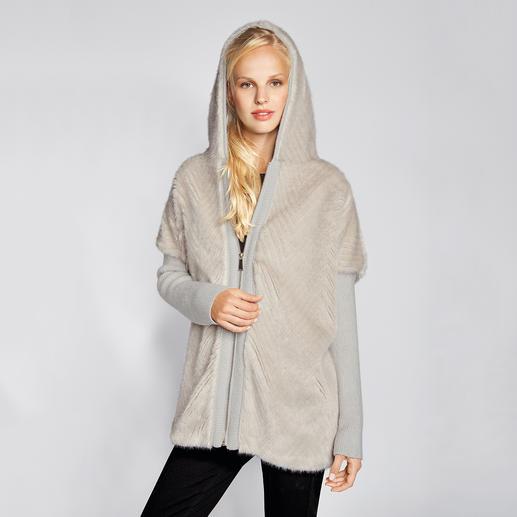 Pinko Fake-Fur-Parka - Lässige Parka-Form, bei Pinko außergewöhnlich elegant. Durch Fake-Fur und die Farbe Offwhite.