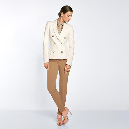 """Weißer Blazer Versace Collection - """"Must-have""""-Teil des Mode-Sommers 2016: Der weiße Blazer. Perfekt gelungen von Versace."""