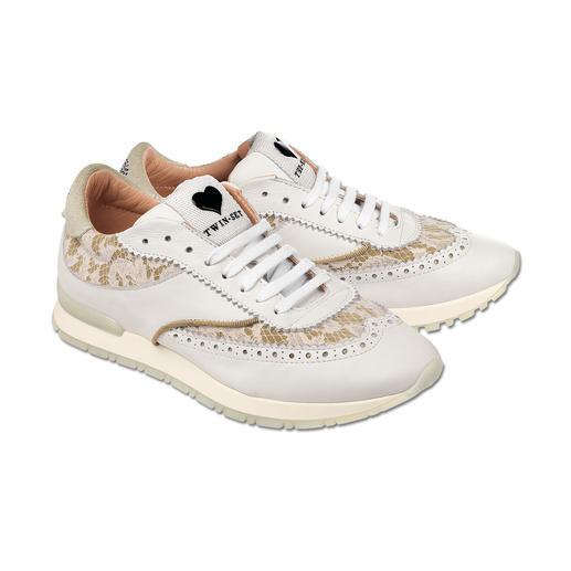 Twin-Set Budapester-Sneaker - Spitze und Budapester-Lochung plus Laufschuh-Form: Twin-Set macht den Trend-Sneaker.