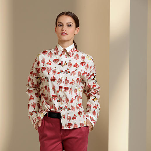 Versace Collection Korallen-Bluse 1 Bluse – 4 Trends: Korallen. Schmetterlinge. Longform. Flatterstoff.