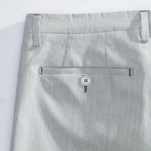 Versace Collection Maritim-Hose Extra fein und uninah: Maritime Streifen modisch aktualisiert. Von Versace Collection.