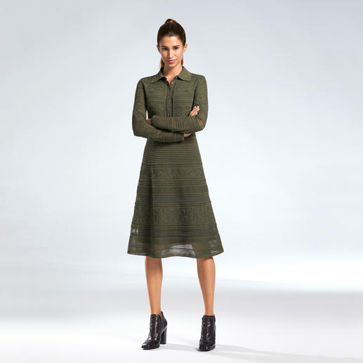 M Missoni Military-Kleid - So feminin und elegant interpretiert M Missoni Military-Grün.