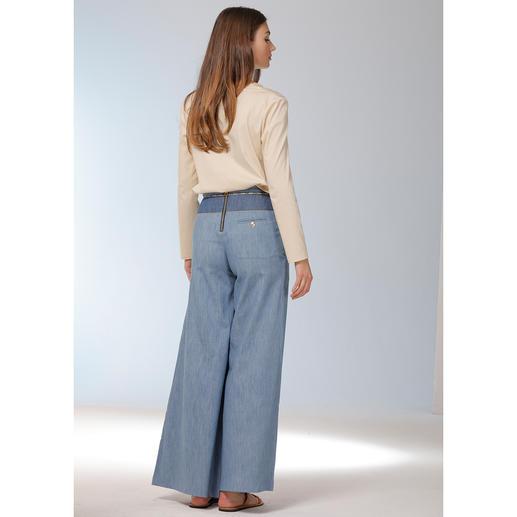 Twin-Set Stretchseiden-Tunika Elastische Seide. Ecru-farben. Tunika-Form. Die richtige Bluse für verschiedenste Outfits. Und zu jedem Anlass.
