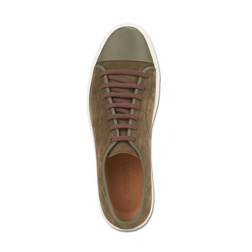 Lagerfeld Edel-Sneaker Military-Green muss jetzt sein. Hier kommt der Edel-Sneaker zur Trendfarbe. Von Lagerfeld.