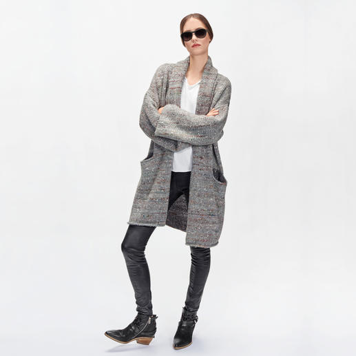 Zadig & Voltaire Tweed-Cardigan Up to date in Form, in Farbe. Luxuriös im Material: Der Oversize-Cardigan von Zadig & Voltaire.
