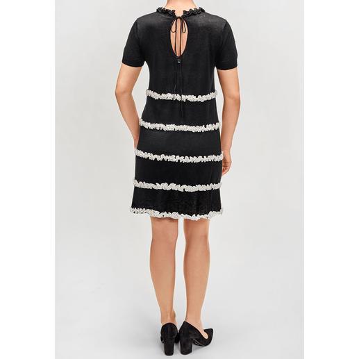 Twin-Set Strickkleid 1 Kleid - 3 Trends: Schwarz/ Weiß, A-Linie, Rüschen. Von Twin-Set.