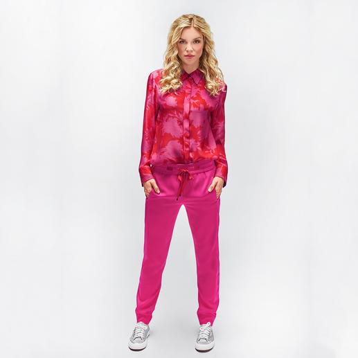 Strenesse Seidenbluse oder Jogg-Pants Rot/Pink Die stärksten Farben der Saison – und doch keineswegs laut. Strenesse setzt den Rot-Pink-Trend edel um.
