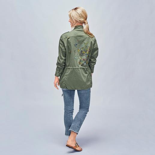 Camouflage Couture Stork Bling-Parka Verzierte Sommerjacken im Parka-Stil sind topaktuell. Tragen Sie eines der gefragten It-Pieces von Camouflage Couture Stork.