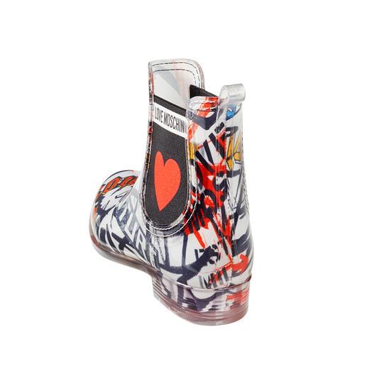 Love Moschino Chelsea-Gummistiefel Chelsea-Form, Transparent-Sohle und Exklusiv-Prints von Love Moschino: So trendy können erschwingliche Gummistiefel sein.