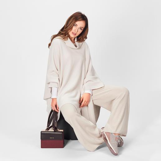 Stefanel Strickponcho oder Strickhose In diesem Winter High-Fashion – bei Stefanel zeitlos elegante Basics.