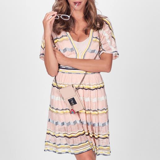 M Missoni 80ies-Dress Overcut Shoulders. Aktuelle Farben. Sommerlich leichter Strick. Unverkennbar vom Meister der Maschen: M Missoni.