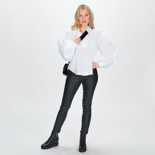aybi Oversize-Bluse - Eine cleane weiße Bluse - und trotzdem topmodisch: kurzer Oversize-Schnitt. Weite Ärmel. Sporty-Style.
