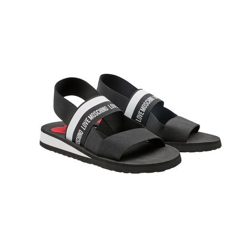 Love Moschino Elastik-Sandale Die authentischste (und wahrscheinlich sogar günstigste) Designer-Strandsandale zum angesagten Wording-Trend.
