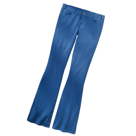 Strenesse Blue Flare-Jeans - Die 70er sind modisch zurück. Und mit ihnen die Schlaghose. Diese trägt nicht auf und sitzt perfekt.