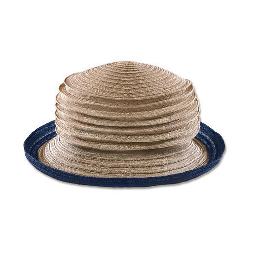 Faltbar und fast unverwüstlich: Der bortengenähte Ziehharmonika-Hut aus Hanf. Geheimnis 1: Hanffasern. Gedreht, nicht geflochten. Geheimnis 2: Bortennähen – eine fast vergessene Technik.