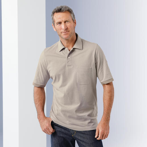Ein komfortables Polo so korrekt wie ein feines Oberhemd. Handgepflückte Pima-Cotton aus Peru. Konfektionierter Kragen. Und genau die richtigen Melange-Farben.