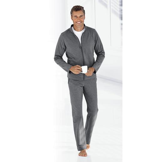 Loungewear-Anzug - Fit fürs Training. Schick beim Spontanbesuch. Bequem auf dem Sofa. Ein Anzug.