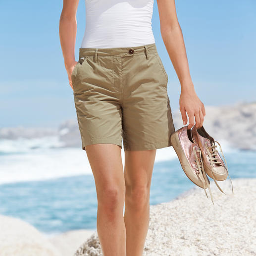 """Aigle Outdoor-Shorts """"Clean-Chic"""" - Die stilvollen unter den Outdoor-Shorts. Funktioneller Stoff. Perfekte Länge. Knackiger Sitz. Von Aigle."""