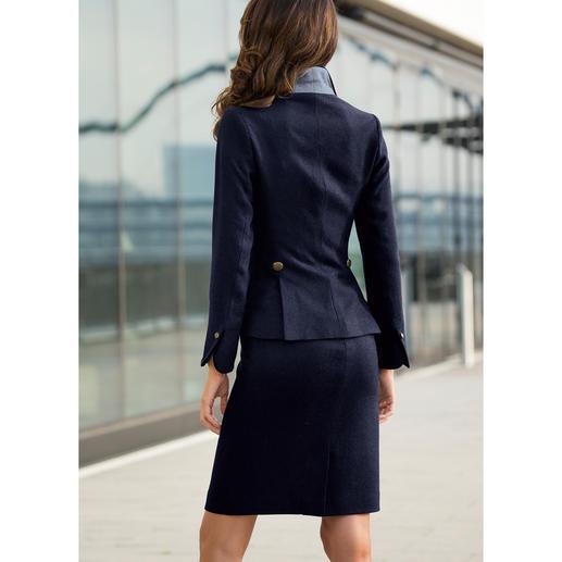 Maquien Tweed-Blazer oder -Rock Klassischer Tweed – aber mit modischem Anspruch. Verkürzt und figurbetont. Feminin und sexy.