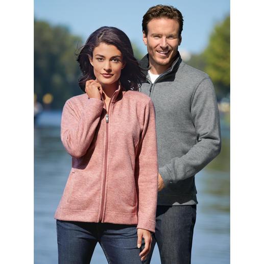 Strick-Fleece Damen-Jacke oder Herren-Troyer - Außen klassisch-elegante Strick-Optik. Innen kuscheliger Fleece. Für Damen als Jacke. Für Herren als Troyer.