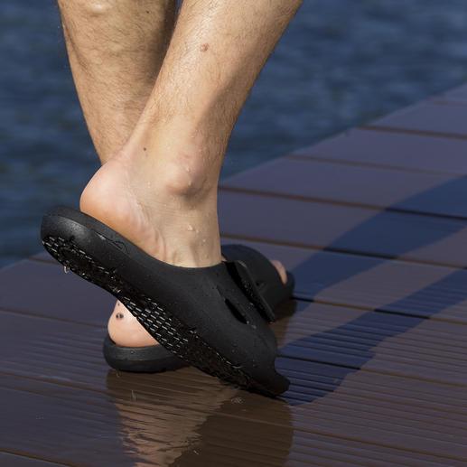 Fashy AquaFeel Damen- oder Herren-Badeschuhe Die Badeschuhe für Leistungssportler – und für Sie. Rutschhemmend und antibakteriell.