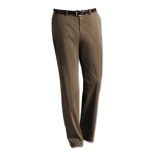 Hiltl Supima®-Chino Fühlt sich weicher an, sieht länger gut aus: die Chino aus Supima®-Baumwolle. Vom Hosen-Spezialisten Hiltl.
