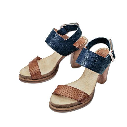 Coque Terra Fußbett-Sandalette, Blau Herrlich bequem dank Kork-Latex-Fußbett. Trotzdem modisch schlank und elegant.